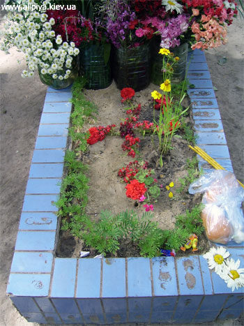 Могилка Матушки Алипии на Лесном кладбище