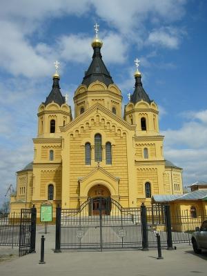 Красивый храм и синее небо. Матушка Алипия, моли Христа Бога о нас грешных