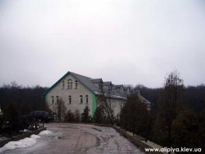 монастырь, служебные помещения монастыря, голосеево монастырь алипия